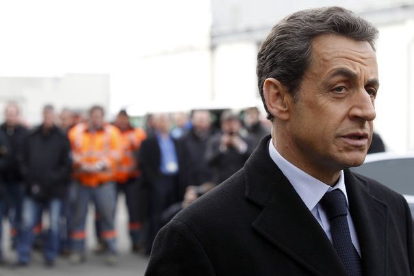70730_france-s-president-and-candidate-for-the-2012-french-presidential-elections-nicolas-sarkozy-arrives-for-a-visit-at-alstom-plant-in-aytre2.jpg