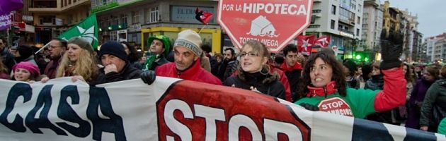 5596463-espagne-nouvelles-manifestations-des-militants-anti-expulsions_opt