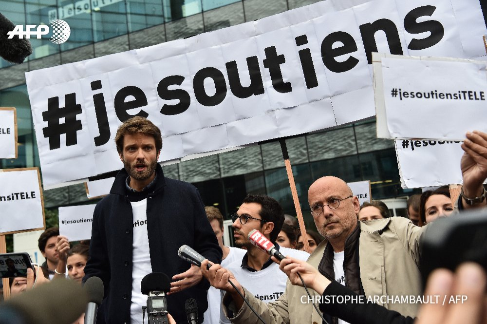 Antoine Genton, porte-parole des grévistes, répond aux questions des médias