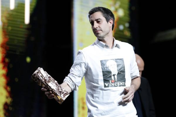 François Ruffin lors de la remise du César du meilleur documentaire pour « Merci Patron ! » [Source : AFP]