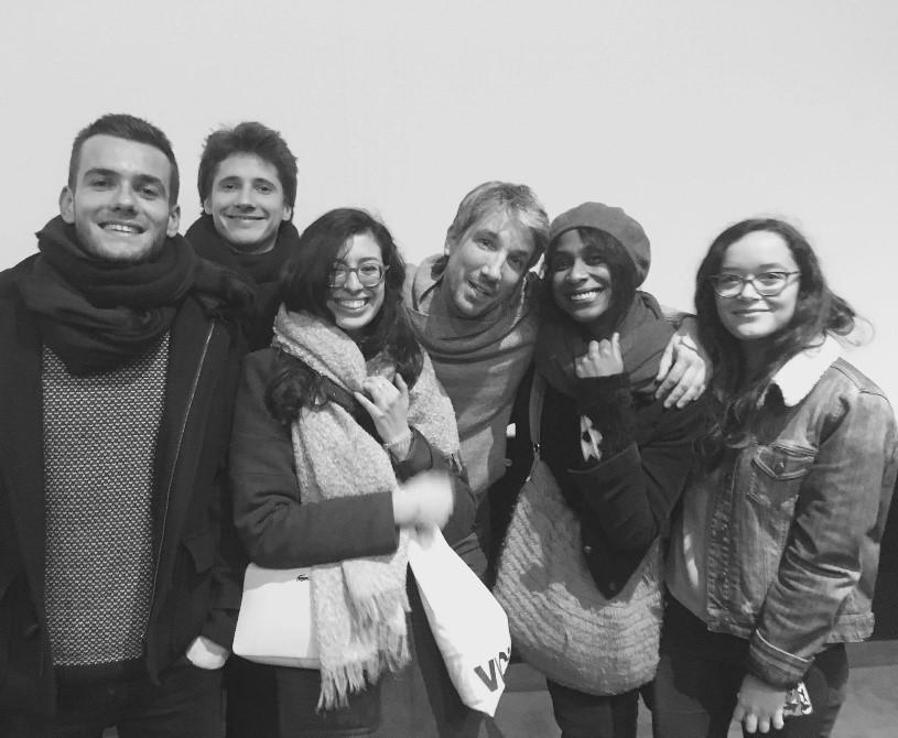 Les étudiants du M1 avec Guillaume Meurice après la rencontre