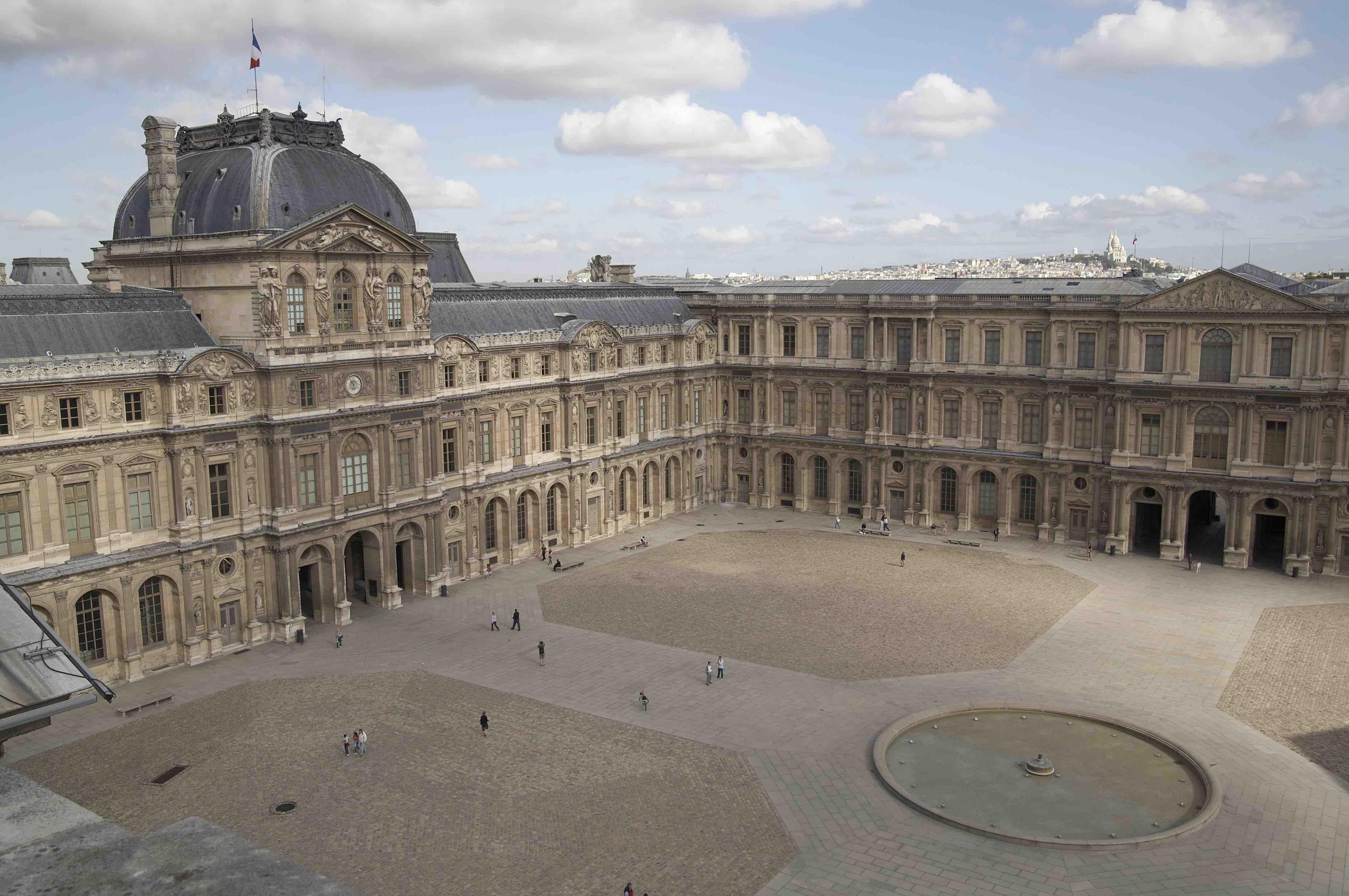Cour Carrée, pavillon de l'horloge ou Sully © Musée du Louvre / Angèle Dequier
