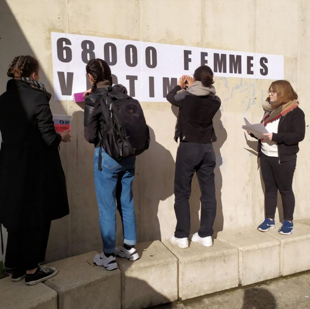 Au campus centre de l'UPEC, des membres du collectif se sont employés à mettre en place un lettrage pour mettre en avant le nombre de femmes victimes de violences sexistes et sexuelles (Instagram UPEC)