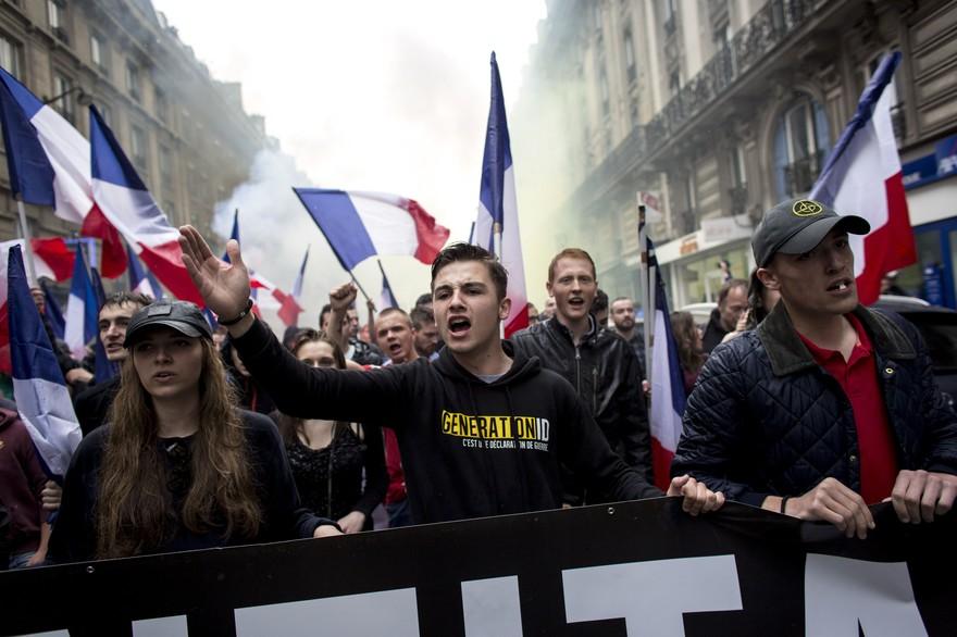 Défilé de Génération identitaire à Paris Crédit : ZIHNIOGLU KAMIL/SIPA